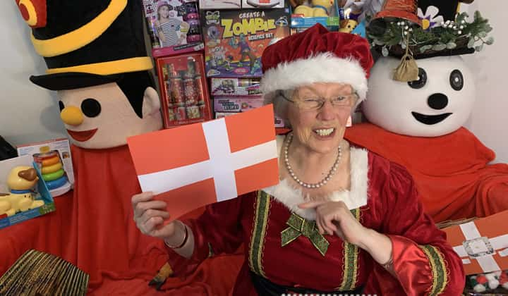 Online zoom stroytelling show for children with Mrs. Claus